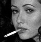 Aarkeybabble : Shannon Doherty - looking delicious dangling a cigarette!