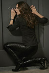 Aarkeybabble : Eliza Dushku looks pretty damned good in those leather pants and high heeled boots