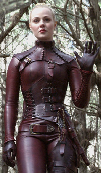 Aarkeybabble : Jessica Marais as Mistress Denna in Legend of the Seeker