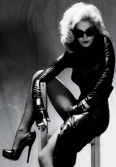 Aarkeybabble : Madonna, smoking hot and looking like a woman again. I definitely approve.