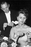 Aarkeybabble : Sophia Loren clearly doesn't need a man!